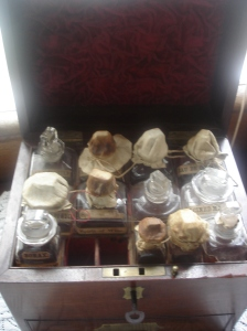 Lady's travelling medicine chest