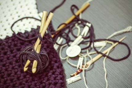 crocheting-1479213_960_720